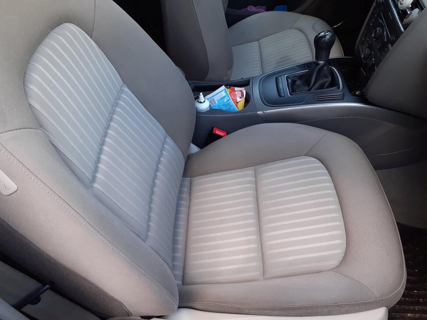 Samochód galeria czyszczenie tapicerki - efekt przed i po